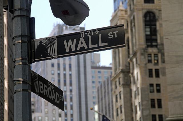 Banks vs Fintechs